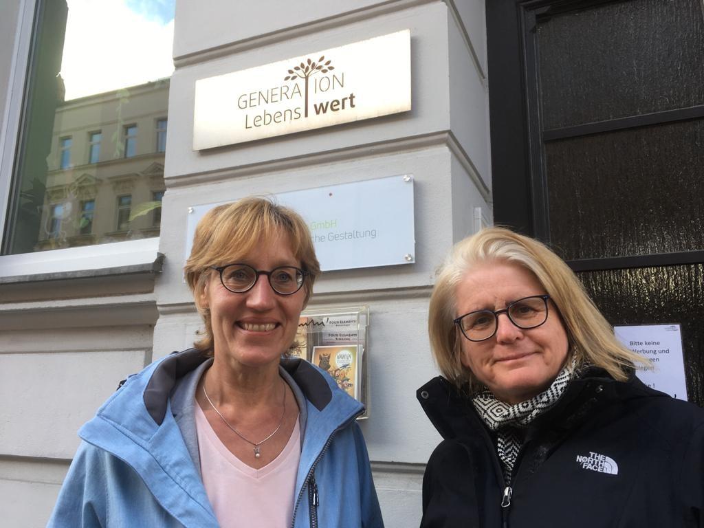 Treffhaltestelle, Beate Anthes und Heidrun Böger